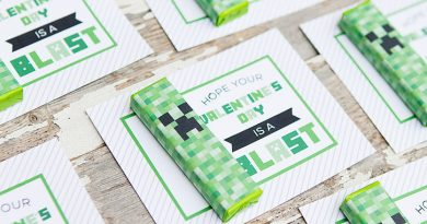 Printable Minecraft Valentines with Creeper Gum Wrappers